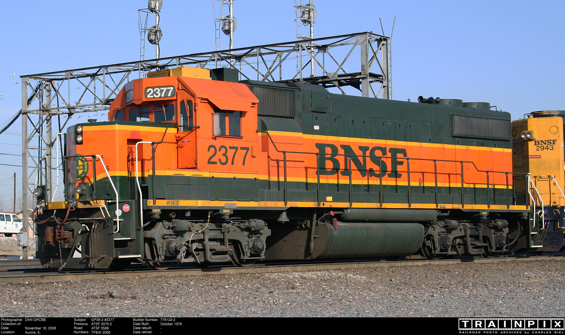 The BNSF Photo Archive - GP38-2 #2377.